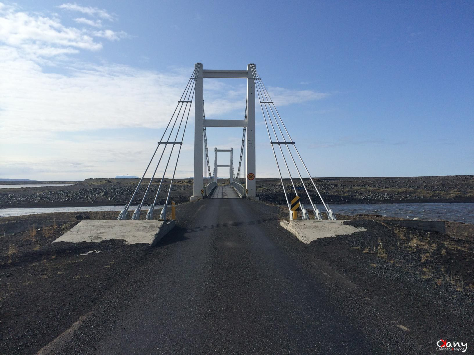 Road to Dettifoss
