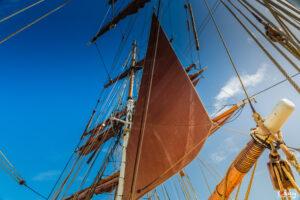 lets sail a way